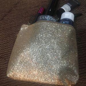 Glam Glitter Lancôme Mini Makeup Bag + 1 Sample 😍